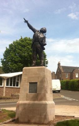Watson Watt Memorial Statue